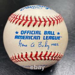 JOE DiMAGGIO Autographed Official American League Baseball! Signed, Yankees HOF