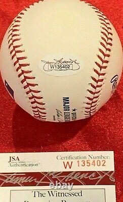 Tony Gwynn Signed Official Major League Baseball with JSA Cert. San Diego Padres